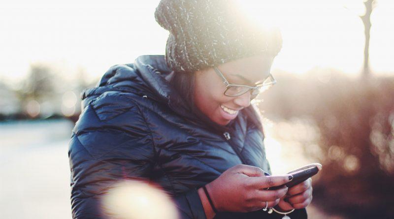 NOMO app: una billetera electrónica libre de costos fijos.