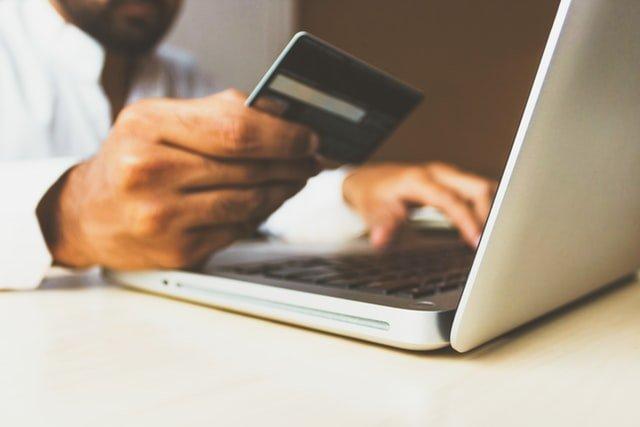 """""""¿Aceptan tarjeta?"""": todo lo que debes saber sobre las tarjetas de crédito, débito y prepagas en Uruguay"""